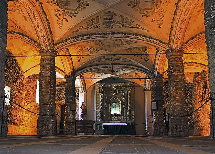 image from Capela dos Ossos